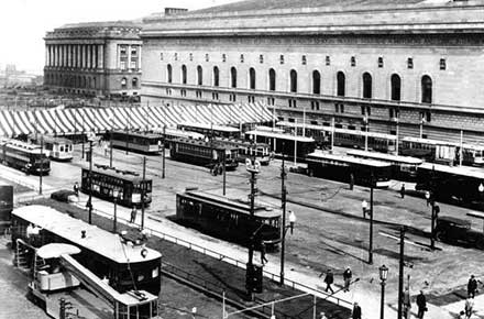 Streetcars lined up outside of Cleveland Public Auditorium
