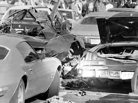 Aftermath of bomb that killed Danny Greene, 1977