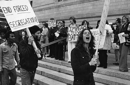 Busing demonstrators outside Public Hall, 1978