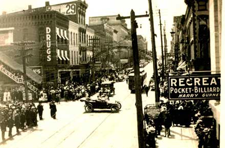 A view of Fourth and Main Streets, 1918