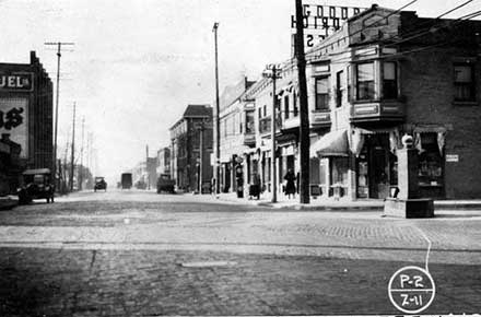 Superior Avenue - north from ®NKP Bridge, 1922