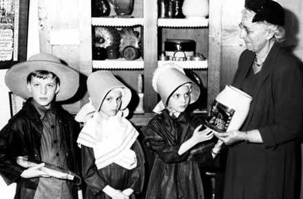 Children in Shaker costumes, 1956.