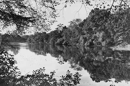 View of Horseshoe Lake in Shaker Heights, 1957.