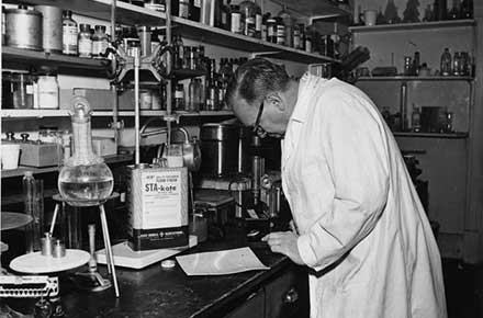Chemist in State Chemical lab at 2435 Superior Ave.